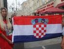 Ký sự World Cup: CĐV Croatia nhảy múa, ca hát tưng bừng trước trận chung kết