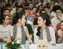 Tú Anh, Lệ Hằng, Mâu Thủy tặng sách quý cho sinh viên Hà Nội