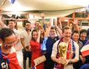 Cổ động viên Pháp tại Việt Nam mở hội ăn mừng chiến thắng lịch sử