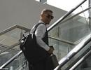 C.Ronaldo nở nụ cười với người hâm mộ khi lên đường về nước