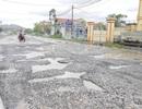 Ninh Bình: Đường vào xã nông thôn mới nát như… tương!