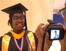 Cô bé 12 tuổi tốt nghiệp Đại học tại New York, Mỹ