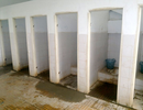 Nguy cơ tiềm ẩn không ngờ từ sự xuống cấp của nhà vệ sinh bẩn