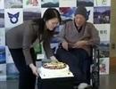 Cụ ông già nhất thế giới: 113 tuổi vẫn thích ăn kẹo