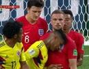 Húc đầu vào Henderson, cầu thủ Colombia xứng đáng bị thẻ đỏ?