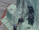 New York náo loạn vì người phụ nữ leo tượng Nữ thần Tự do