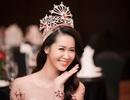 Dàn sao, biên tập viên VTV đến chúc mừng Dương Thùy Linh đăng quang Mrs Worldwide