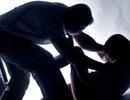Rút dao khống chế để hiếp dâm bé gái chăn trâu