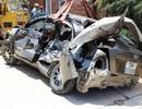 Tàu hỏa tông ô tô, 2 người thoát chết thần kỳ
