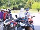Vé xem Olympic Việt Nam chưa sốt, phe vé đội nắng mời người mua