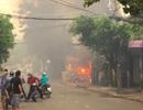 Cháy bãi giữ xe gần sân bay Tân Sơn Nhất