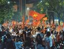 Người hâm mộ Việt Nam ăn mừng chiến thắng trước Bahrain