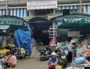 Bảo vệ chợ Đông Ba bị khách côn đồ đâm nguy kịch