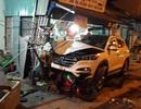 Ô tô lao lên vỉa hè tông 2 người chết, 4 người bị thương