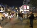 Cảnh sát trắng đêm bảo đảm an toàn cho người dân xuống đường mừng chiến thắng