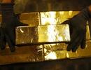Tránh siêu lạm phát, Venezuela trả lương hưu bằng vàng