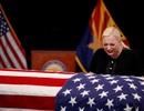 Hàng nghìn người Mỹ đội nắng viếng Thượng nghị sĩ John McCain