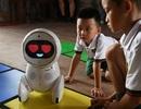 Nhà trẻ Trung Quốc đón các giáo viên robot