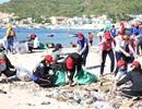 Bình Định: 1.000 Đoàn viên, thanh niên nhặt rác thải tại bãi biển du lịch