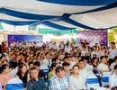 """Gần nghìn người """"đội mưa"""" đi xem căn hộ khách sạn đầu tiên ở Bắc Giang"""