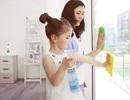 Cách đơn giản để dạy con làm việc nhà mà vẫn an toàn cho da bé