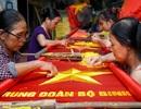 Những bàn tay tài hoa giữ nghề thêu cờ Tổ quốc