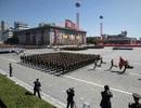 """Ông Trump khen ngợi màn duyệt binh """"khác lạ"""" của Triều Tiên"""