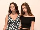 Con gái Catherine Zeta-Jones càng lớn càng xinh
