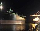 2 công nhân ngạt khí tử vong khi dọn hầm tàu hàng