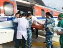 Ngư dân bị nạn ngoài khơi được cấp cứu bằng máy bay