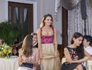 Hoa hậu Áo khoe trang phục truyền thống