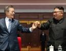 Màn đồng diễn của hàng nghìn người Triều Tiên đón Tổng thống Hàn Quốc