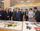 Chuyến đi gây tranh cãi của Tổng thống Hàn Quốc tới xưởng nghệ thuật Triều Tiên