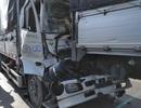 4 xe tải tông liên hoàn trên Quốc lộ 1A, 2 người mắc kẹt trong cabin
