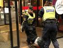 Trung Quốc yêu cầu Thụy Điển xin lỗi sau vụ du khách bị lôi khỏi khách sạn chở ra nghĩa địa
