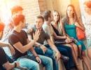 Tại sao chúng ta thường chỉ thoải mái nhất trong nhóm trò chuyện bốn người?