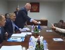 Cử chỉ gây chú ý của nhà ngoại giao hàng đầu EU trong cuộc gặp phái đoàn Nga