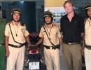 CSGT chặn bắt người nước ngoài nghi sử dụng xe trộm cắp