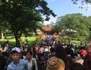 Hàng vạn du khách nườm nượp hành hương về lễ hội Lam Kinh 2018