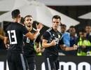 Vắng Messi, con trai HLV Simeone rực sáng giúp Argentina chiến thắng