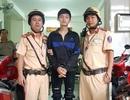 TPHCM: CSGT chặn bắt kẻ mang lệnh truy nã