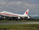 """Chuyên cơ của Thủ tướng Nhật rơi """"vật thể lạ"""" khi đang bay"""