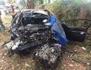 Ô tô con tông xe tải, 5 người thương vong