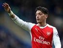"""Arsenal nguy cơ mất Mesut Ozil trong """"đại chiến"""" với Chelsea"""