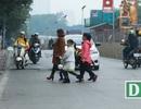 Đi bộ sai luật có thể bị phạt tù: Người đi bộ ngỡ ngàng!