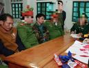 Bắt tại trận 2 đối tượng người Lào đang giao dịch hơn 2.000 viên ma túy