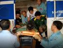Trực thăng vượt biến đưa chiến sĩ gặp nạn về đất liền