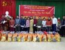 Hơn 100 suất quà Tết đến với đồng bào nghèo Khơ Mú