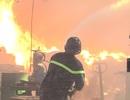 Công ty gỗ rộng hàng nghìn m2 chìm trong biển lửa