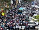 Hình ảnh đường phố Hà Nội ngày tắc đường nghiêm trọng nhất trong năm